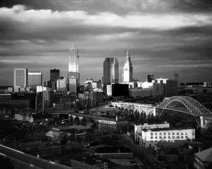 Cleveland_skyline_BW